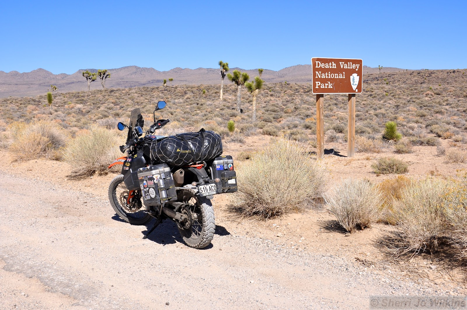 death valley sign 1640