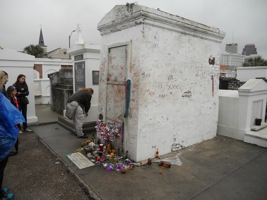 st louis cemetery no