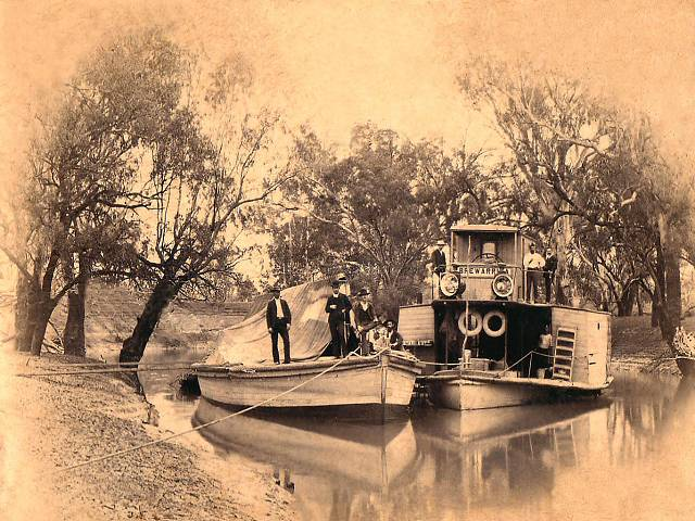 Brewarrina Paddle steamer